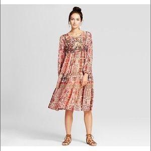 Embroidered Print Midi Dress 🌸